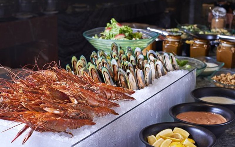 Feast seafood on ice