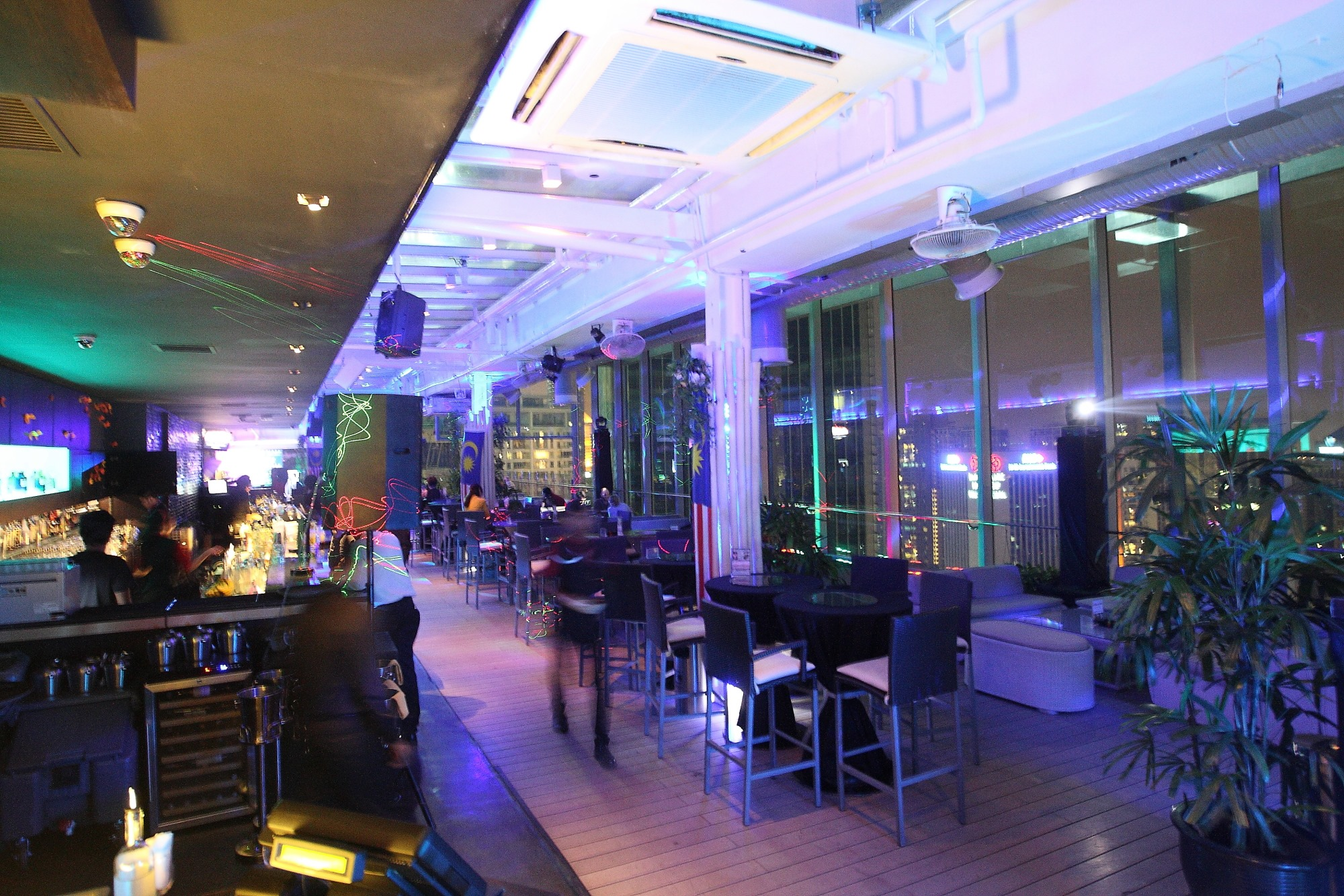 Review of View Rooftop Bar, City Center — FoodAdvisor